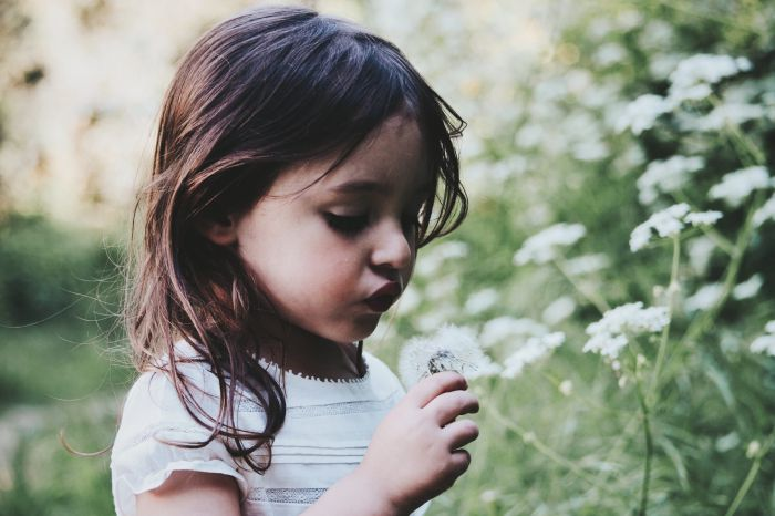 Gėlės ir vaikai