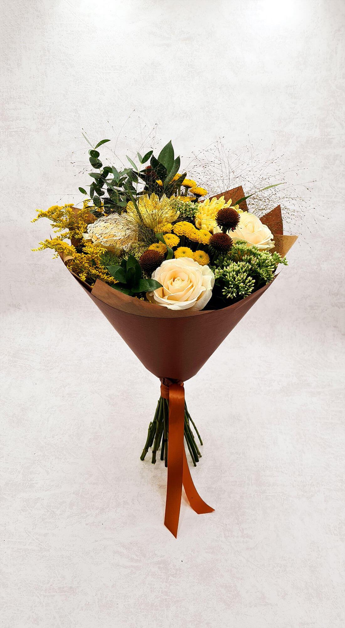 Rožės, chrizantemos ir santini