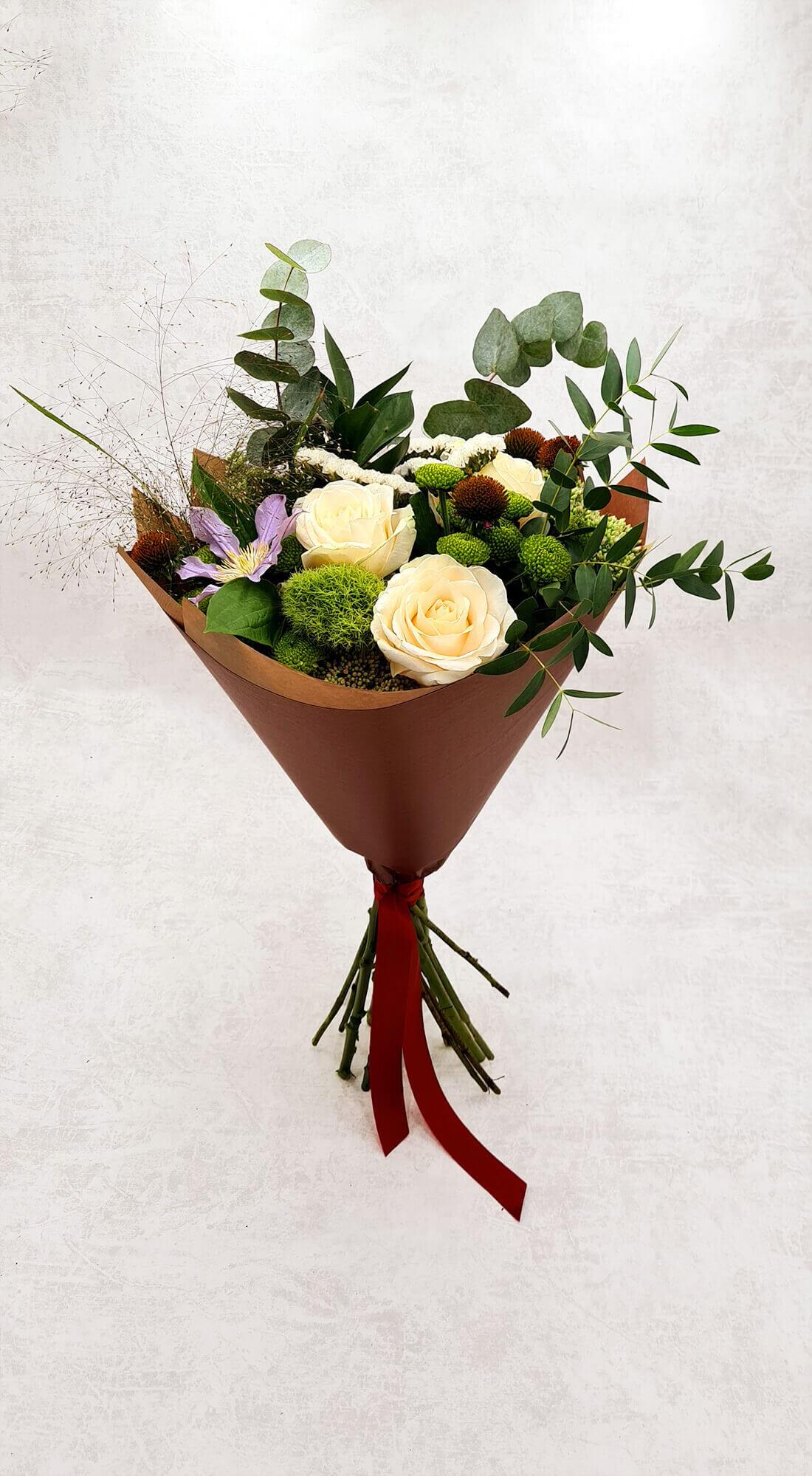 Rožės, eustomos ir santini